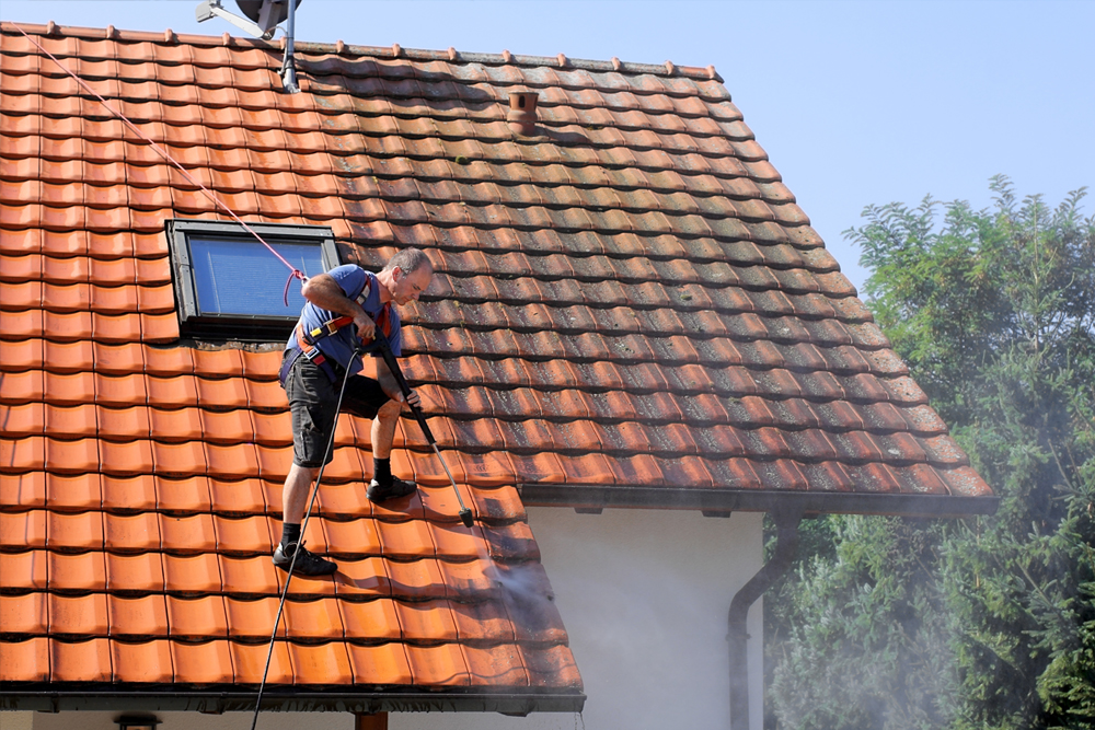 Professional Roof Maintenance Services in the Greater Sacramento Area, Including Roseville, Rocklin, Lincoln & More!