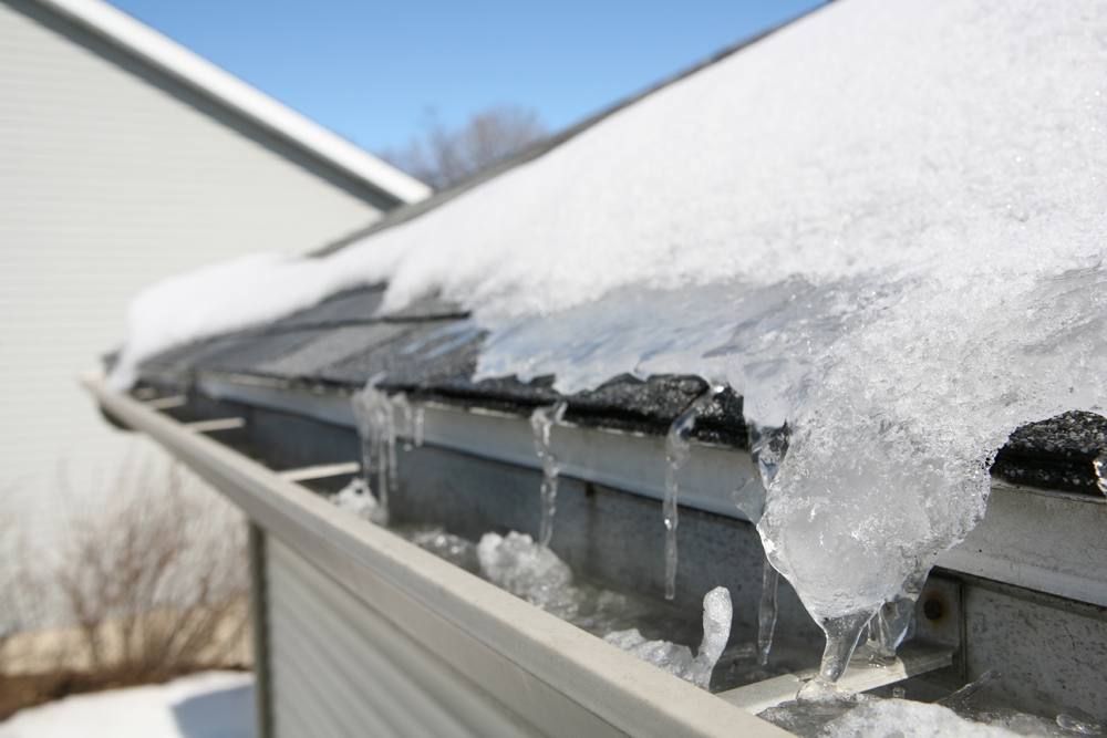 5 Common Roof Problems That Happen During Winter - Bob Jahn's Roofing Contractor in Roseville